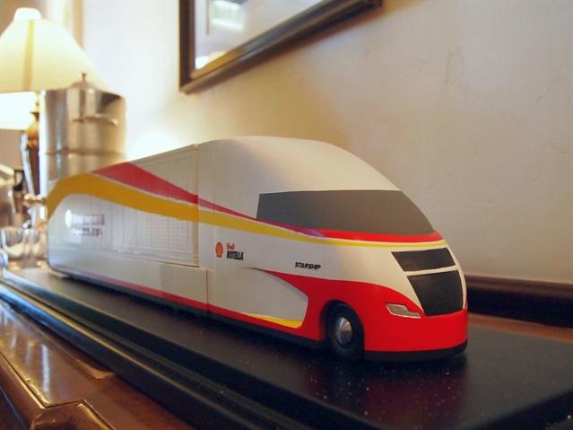 Scale model of Shell s Starship concept truck. Photo: Steven Martinez