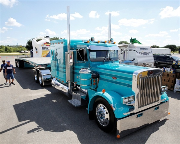 The 2015 SuperRigs Best of Show winner Photo: Shell Rotella