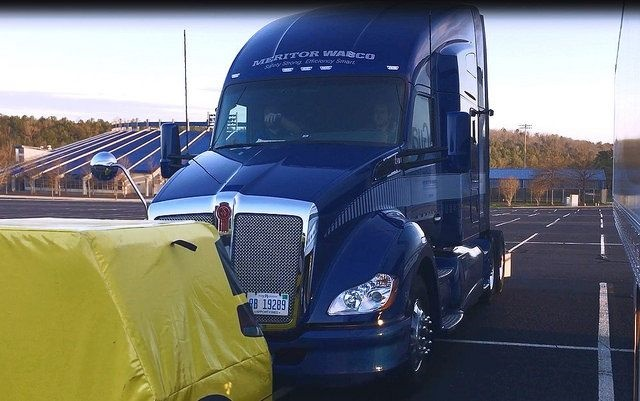 A Kenworth T680 demonstrating the Meritor Wabco OnGuardActive safety