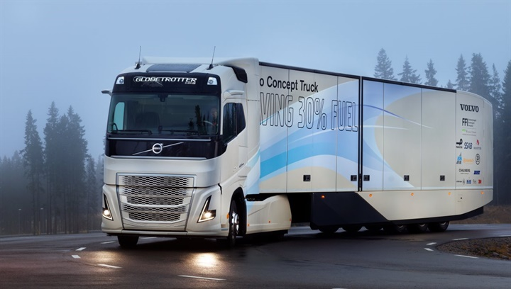 Euro-spec Volvo Concept Truck boasts hybrid diesel-electric