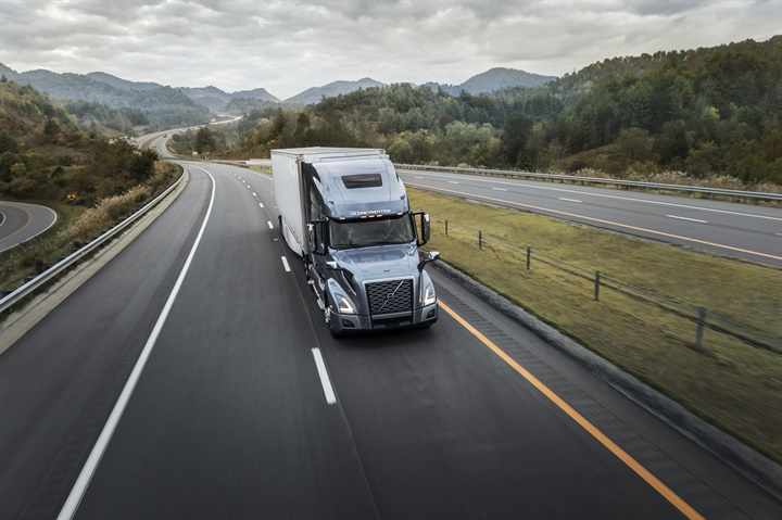 Bendix Wingman Fusion-based safety system is now standard on Volvo VNR
