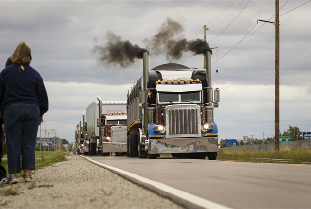 World's Largest Truck Convoy Raises $90,000 - TopNews ...