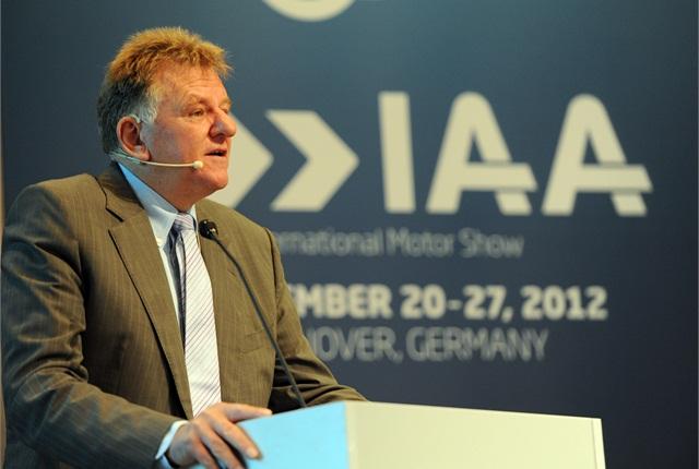 Andreas Renschler speaks at a 2012 event. Photo by Sven-Erik Lindstrand.