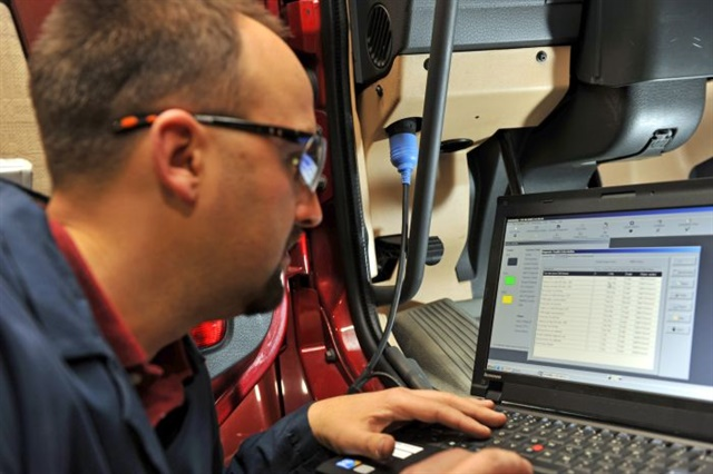 Technicians use Bendix ACom Diagnostics software to diagnose, repair, troubleshoot, and recalibrate components that form Bendix's antilock braking, stability, and tire pressure monitoring systems. Photo: Bendix