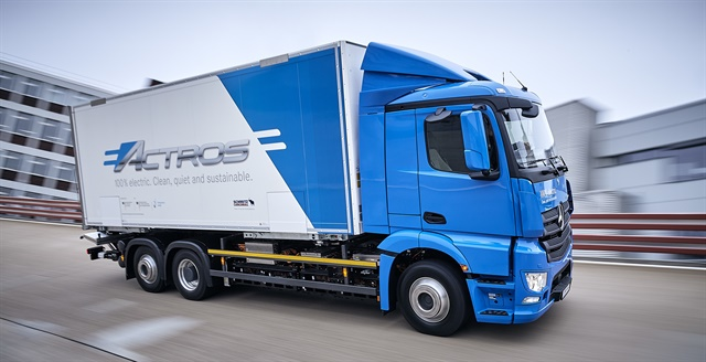 Daimler Fleet-Testing Heavy-Duty Electric Actros Truck