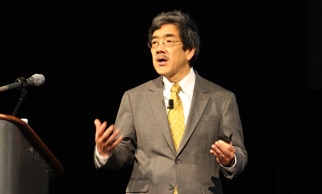 Steve Sashihara, CEO of Princeton Consultants, talks about digital disruption at FTR's annual conference. Photo: Evan Lockridge