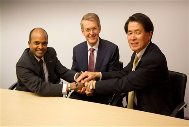 (L-R) Raj Nair, Group Vice President, Global Product Development, Ford Motor Company, Prof. Thomas Weber, Member of the Board of Management of Daimler AG, Group Research & Mercedes-Benz Cars Development and Mitsuhiko Yamashita, Member of the Board of Directors and Executive Vice President of Nissan Motor Co., Ltd., supervising Research and Development. Photo courtesy Ford Motor Co.