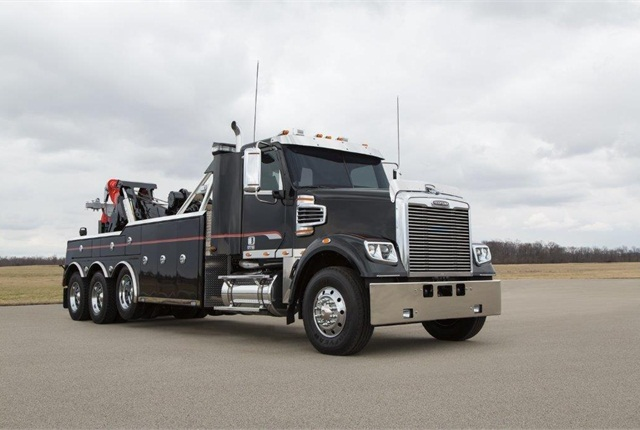 The 122SD is available in truck or tractor versions and joins the 114SD and 108SD in Freightliner's vocational lineup.