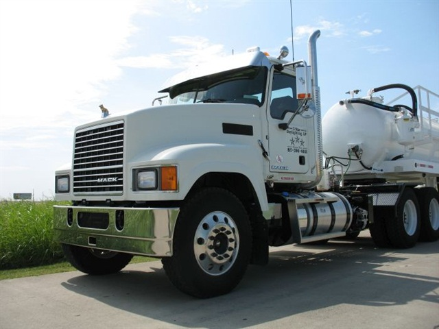 Cresson, Texas-based 3 Star Daylighting recently took delivery of the 25,000th Mack truck model equipped with Mack GuardDog Connect. Photo via Mack