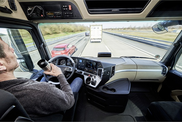 Full lateral control means the driver's hands are free while platooning. Photo: Daimler Trucks