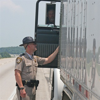 Differing truck enforcement between states means CSA numbers are not consistent, study finds. File Photo: Kentucky State Police