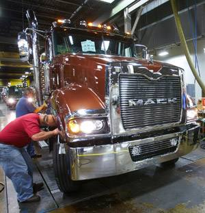 Mack Truck Macungie Tours