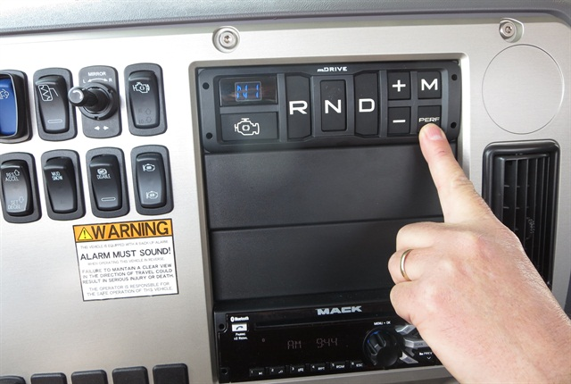 Special keypad selector for mDrive HD includes buttons for Reverse, Neutral, Drive, Manual, and up- and down-shifts. Photo: Tom Berg