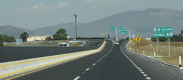 A wide-open road in Mexico. Photo:México Secretaria de Comunicación y Transportes