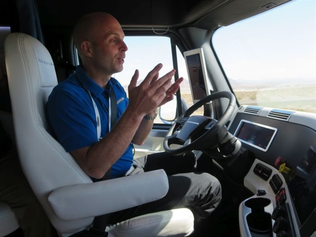 A Freightliner demo driver demonstrates autonomous mode for Daimler Trucks North America's Inspiration Truck, the first autonomous truck to have a license to legally operate on U.S. public highways. Photo: Deborah Lockridge