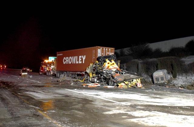 Aftrmath of Jan. 27, 2014, truck crash near Naperville, Ill. Image via NTSB