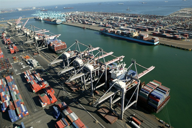 Southern California Import Container Volume Stagnates, Contract Talks Blamed