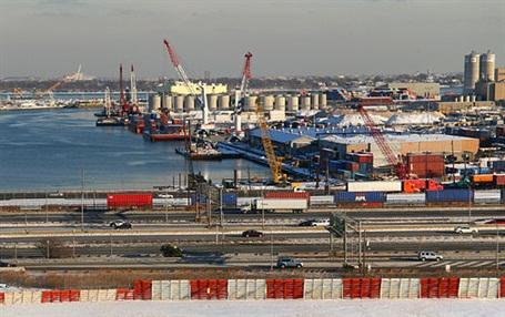 Port Newark. Photo: Doc Searls via Wikimedia Commons