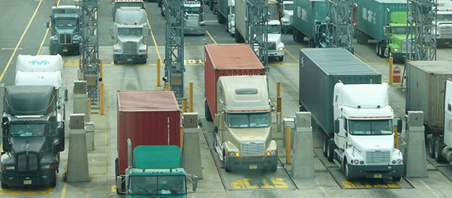 Intermodal traffic has been seeing a diversion to East Coast ports. Photo: Port of NY/NJ