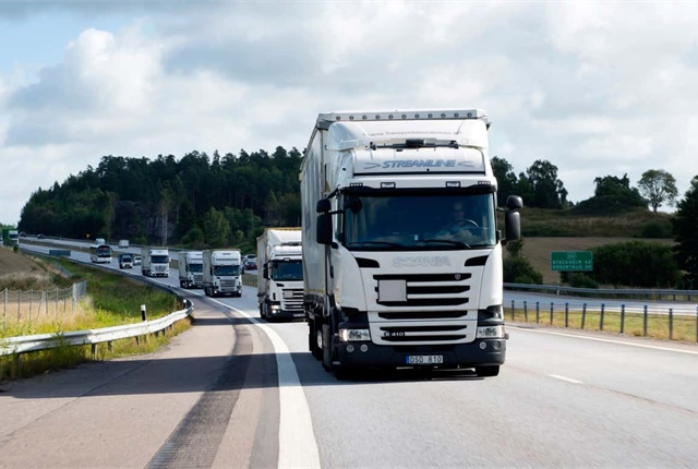 The British government has awarded a grant of €8.1 million to test truck platooning on public roadways. Photo: Scania