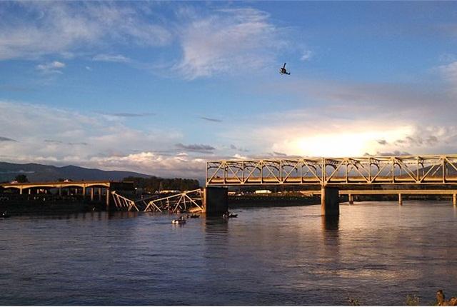 Skagit River Bridge Collapse: Photo via Wikimedia Commons.