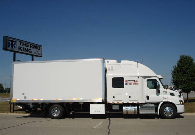 Photo: Stoops Freightliner-Quality Trailer