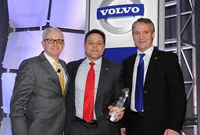 Nacarato Volvo vice president Joe Nacarato (center) receives the 2013 Volvo Trucks North American Dealer of the Year from (left) Terry Billings, Volvo Trucks vice president – business development and (right) Göran Nyberg, president, Volvo Trucks North American Sales & Marketing.