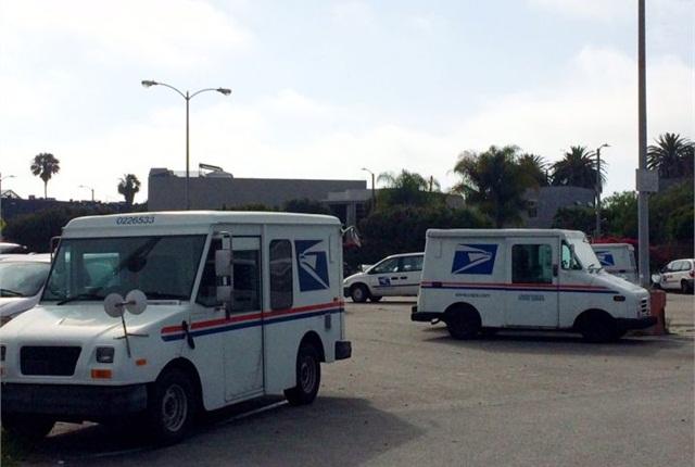 Photo of USPS trucks in Venice, Calif., by Paul Clinton.