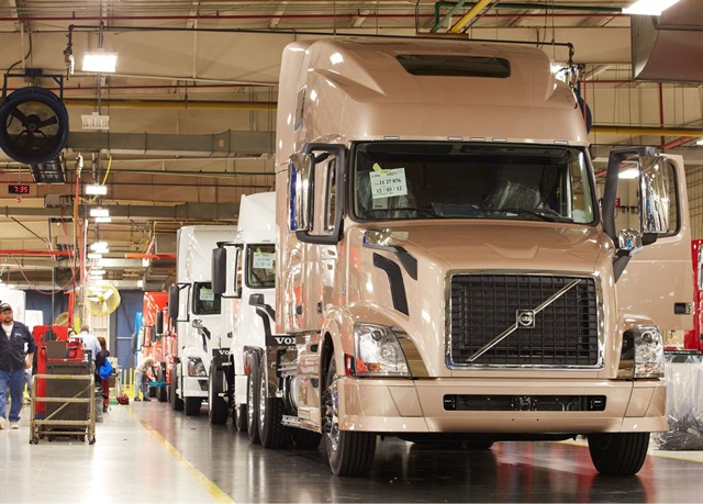 Volvo VNLs on the assembly line at the New River Valley plant: Photo via Volvo Trucks.