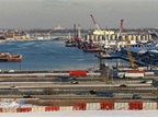 <p><strong>Port Newark</strong><em><strong>.</strong> Photo: Doc Searls via Wikimedia Commons</em></p>