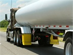 In 2011, PHMSA proposed that loading/unloading wetlines on tankers be absent of any flammable liquids. Photo: Evan Lockridge