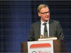 Volvo CEO Olof Persson keynoting HDMA Briefing at MATS. Photo: Deborah Lockridge