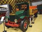 This 1933 Mack AB model was a move toward an more modern design. It