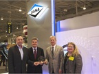 Dana is presented a Top 20 award for its Spicer AdvanTek 40, a