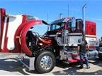 Paul Saline s 2009 Kenworth W900L - Satisfaction.