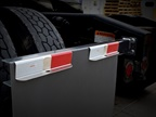 Minimizer Brackets Help Fleets Hang Fast Flaps