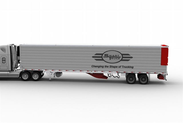 The company says its new side fairing, when combined with the SmartTruck UnderTray System, delivers up to a 10.5% gain in fuel savings.